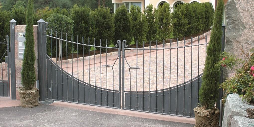 Entrematic_swing_gates_DitecCubic2