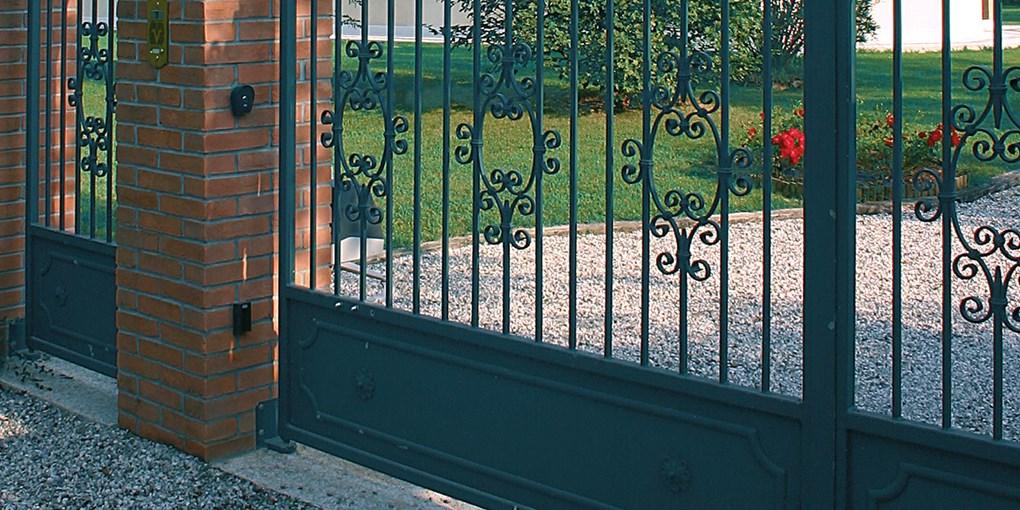 Entrematic_swing_gates_DitecFacil3